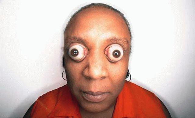 Эффект выпученных глаз в программе для изменения лица